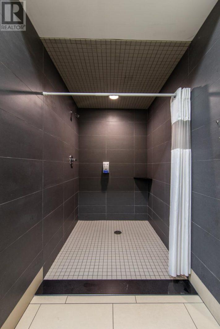 Image nr 26 for listing 10700 TECUMSEH ROAD East, Windsor