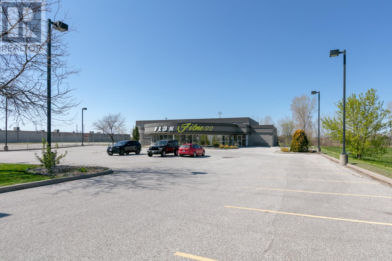 Image nr 5 for listing 10700 TECUMSEH ROAD East, Windsor