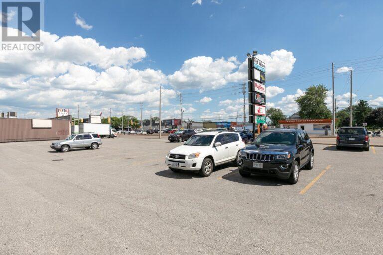Image nr 3 for listing 6020 TECUMSEH ROAD East, Windsor