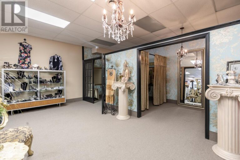 Image nr 18 for listing 3869 DOUGALL ROAD, Windsor