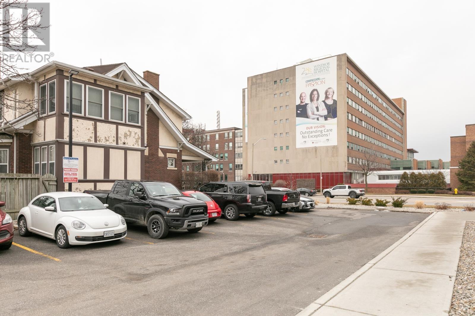 Image nr 4 for listing 1083 OUELLETTE AVENUE, Windsor