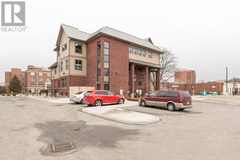 Image nr 6 for listing 1083 OUELLETTE AVENUE, Windsor