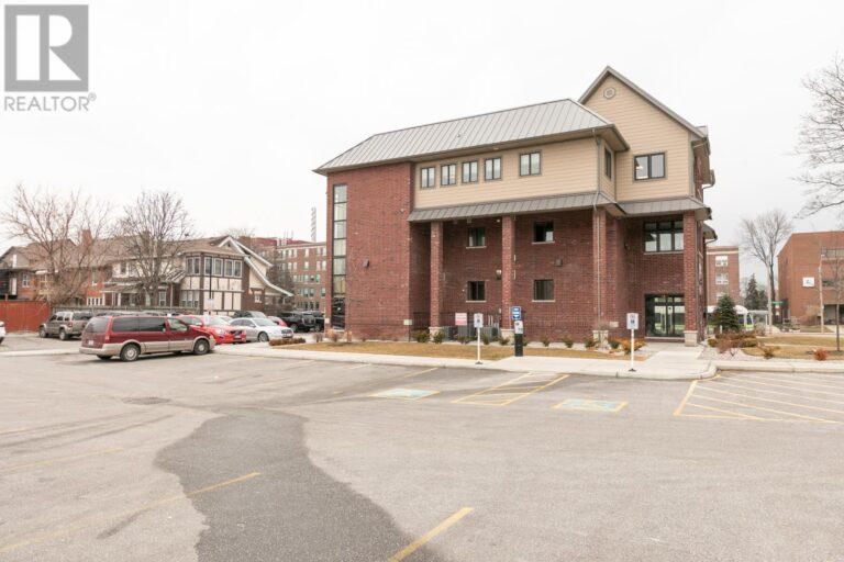 Image nr 7 for listing 1083 OUELLETTE AVENUE, Windsor