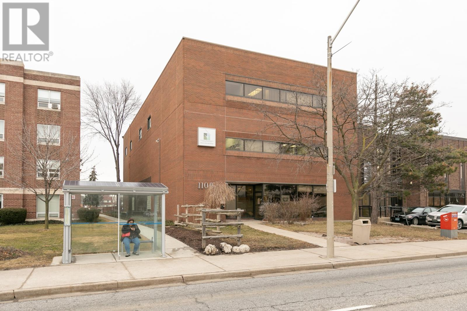 Image nr 1 for listing 1100 OUELLETTE AVENUE, Windsor
