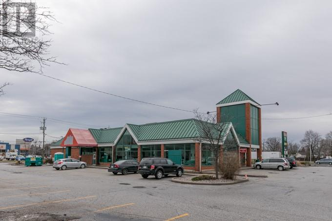 Image nr 12 for listing 1690 HURON CHURCH ROAD, Windsor