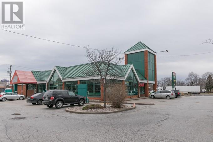Image nr 13 for listing 1690 HURON CHURCH ROAD, Windsor