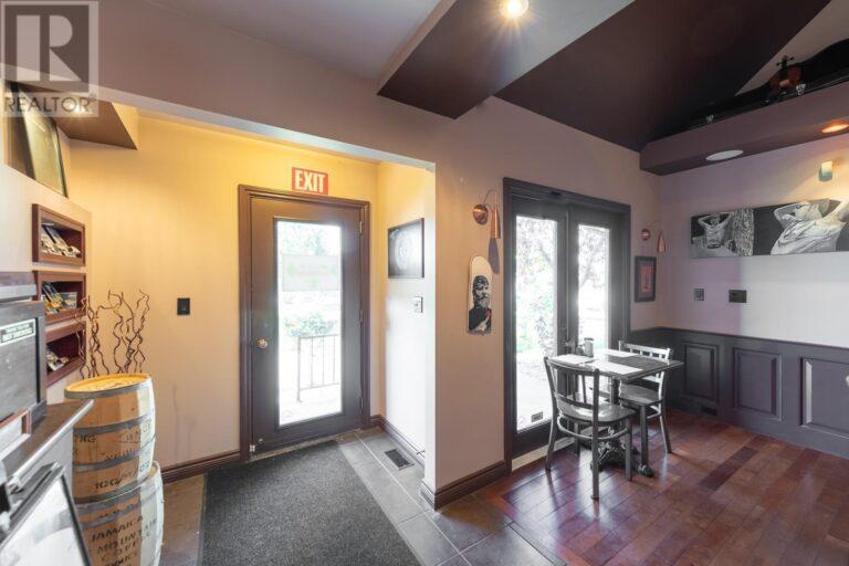 Image nr 15 for listing 8061 WYANDOTTE STREET, Windsor