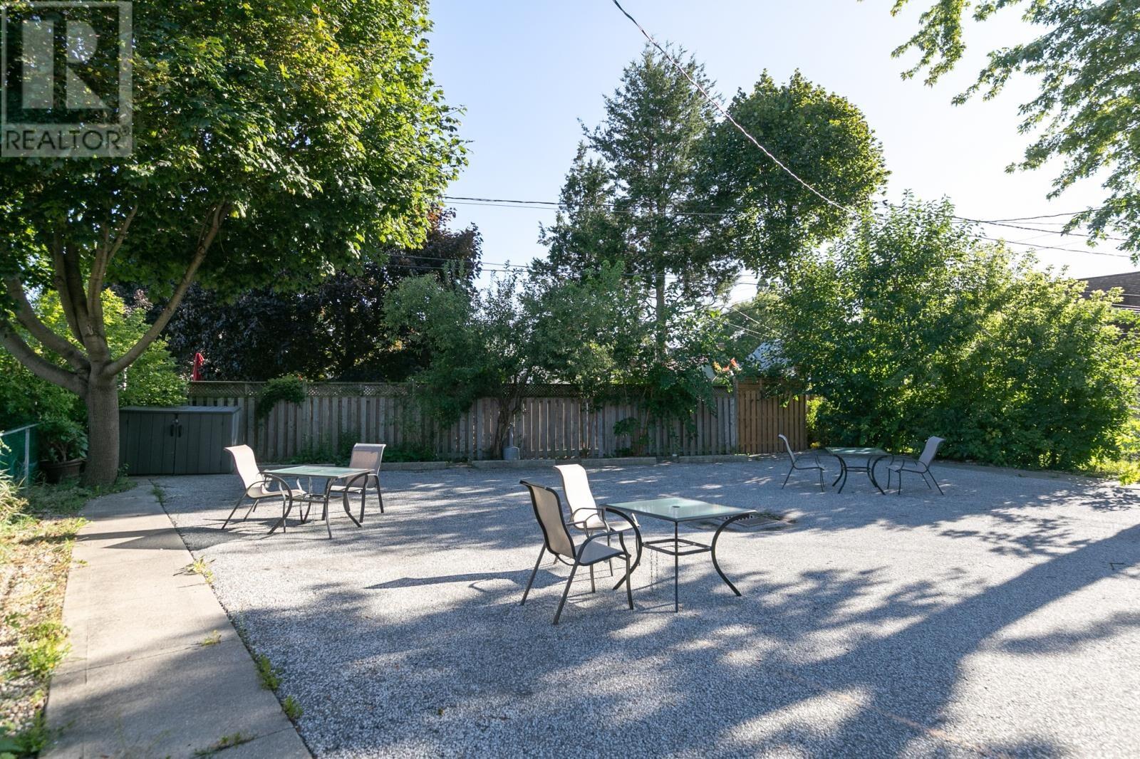 Image nr 8 for listing 8061 WYANDOTTE STREET, Windsor