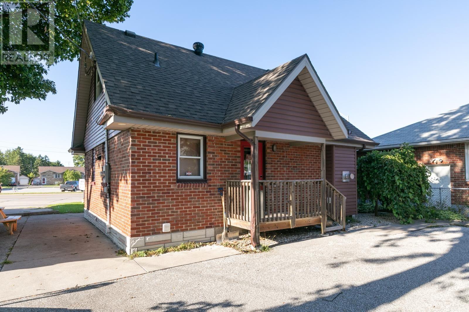 Image nr 9 for listing 8061 WYANDOTTE STREET, Windsor