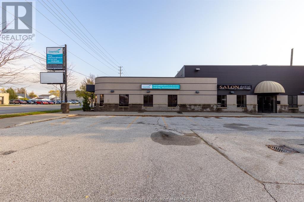 Image nr 1 for listing 3353 WALKER ROAD, Windsor