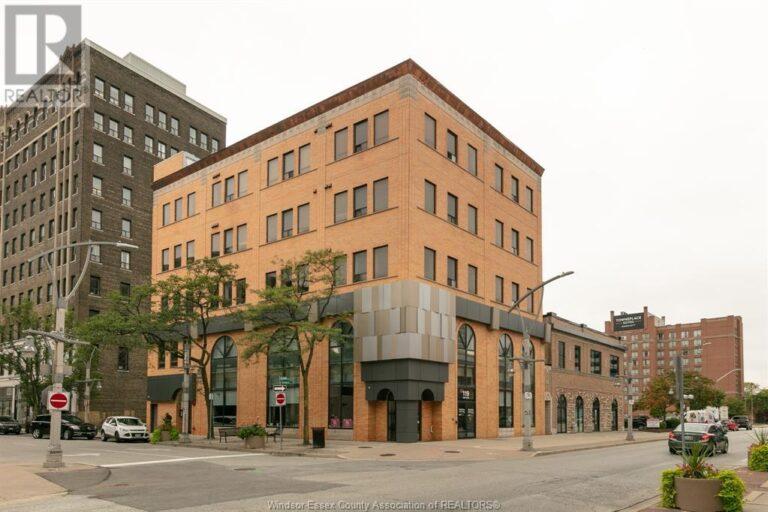 Image nr 1 for listing 119-149 CHATHAM STREET West, Windsor