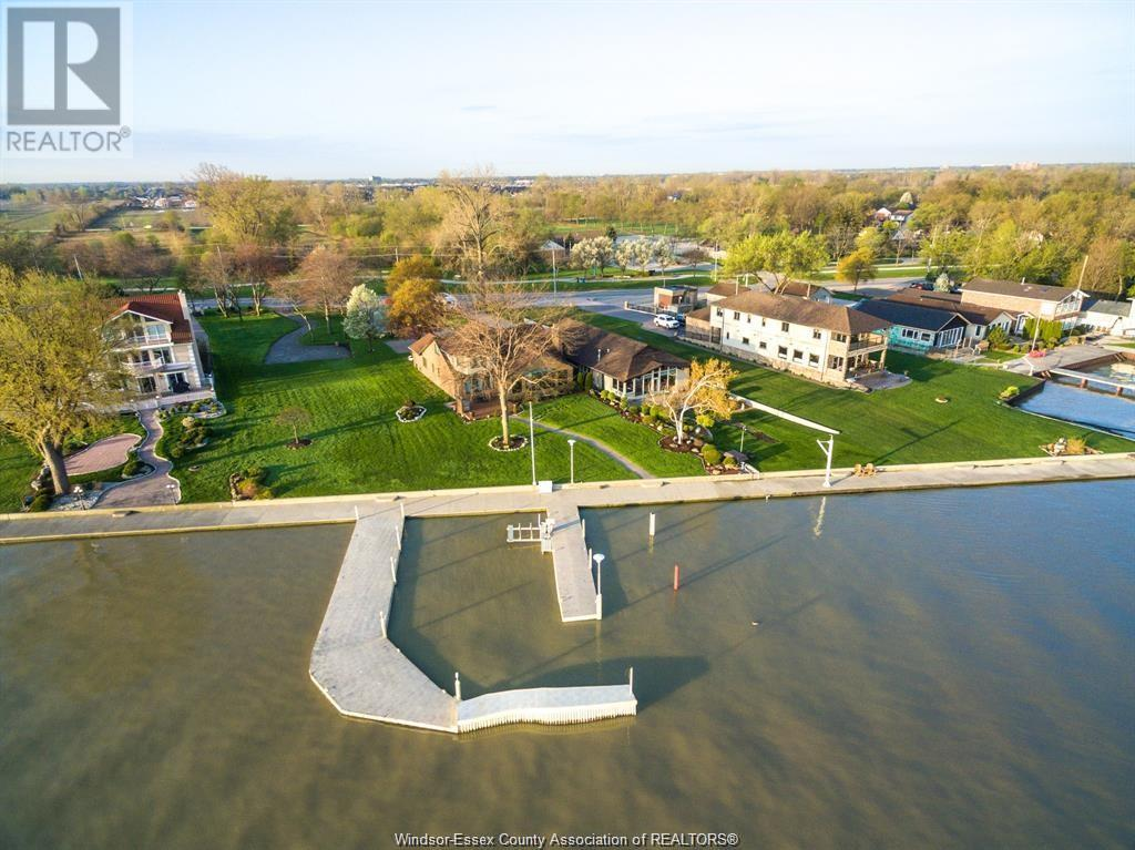 Image nr 1 for listing 10950 RIVERSIDE DRIVE, Windsor