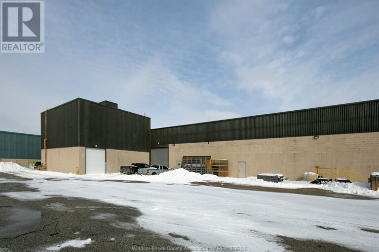 Image nr 3 for listing 3255 JEFFERSON BOULEVARD Unit# WEST BAY, Windsor