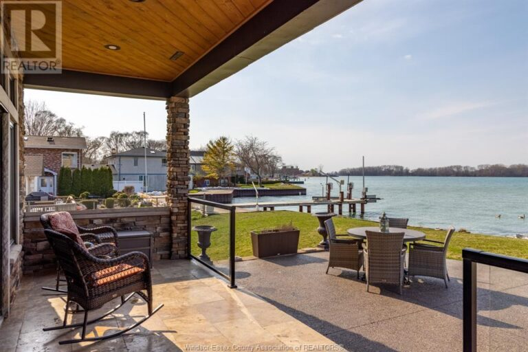 Image nr 14 for listing 10870 RIVERSIDE DRIVE East, Windsor