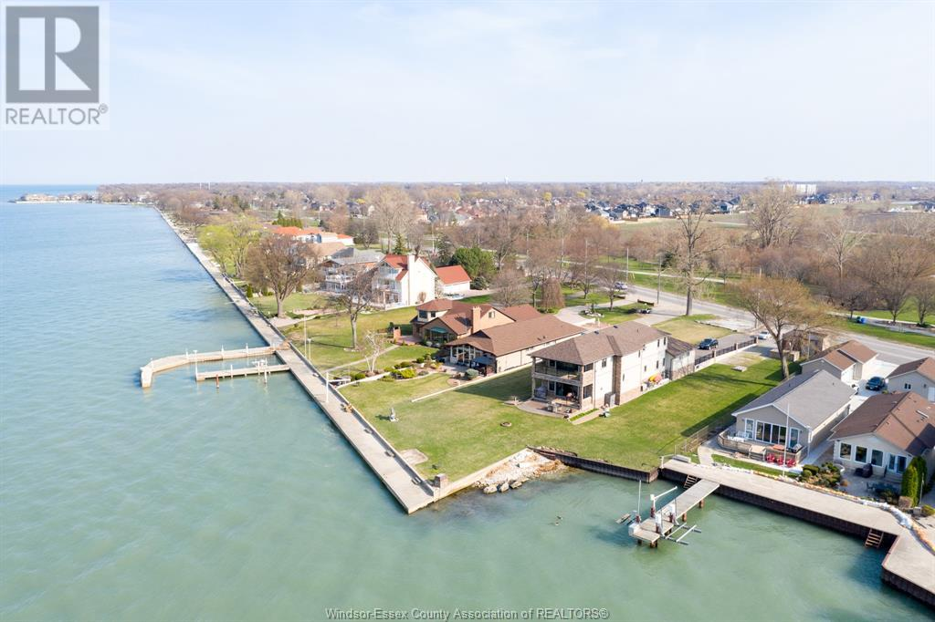 Image nr 4 for listing 10870 RIVERSIDE DRIVE East, Windsor