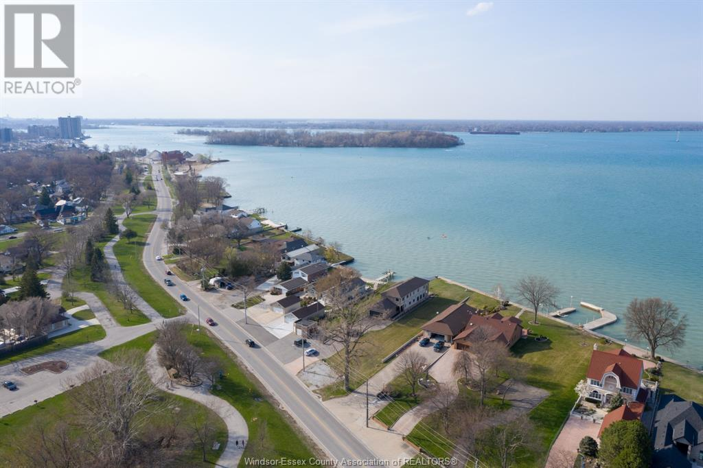 Image nr 5 for listing 10870 RIVERSIDE DRIVE East, Windsor