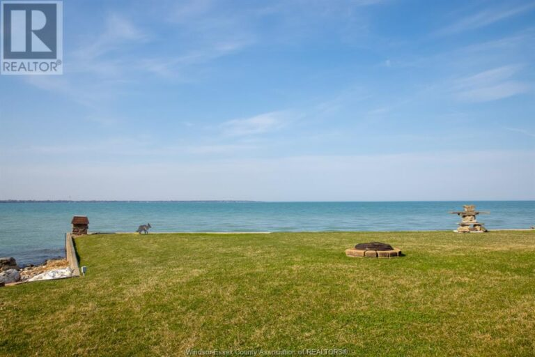 Image nr 9 for listing 10870 RIVERSIDE DRIVE East, Windsor