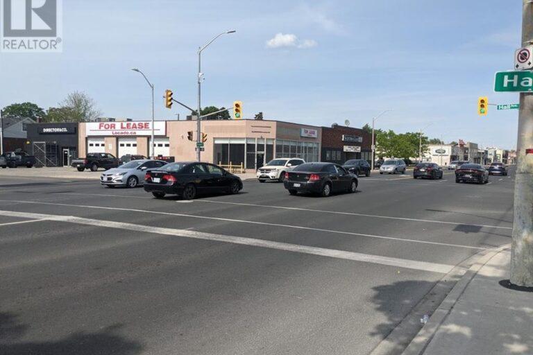 Image nr 7 for listing 1320 TECUMSEH ROAD East, Windsor