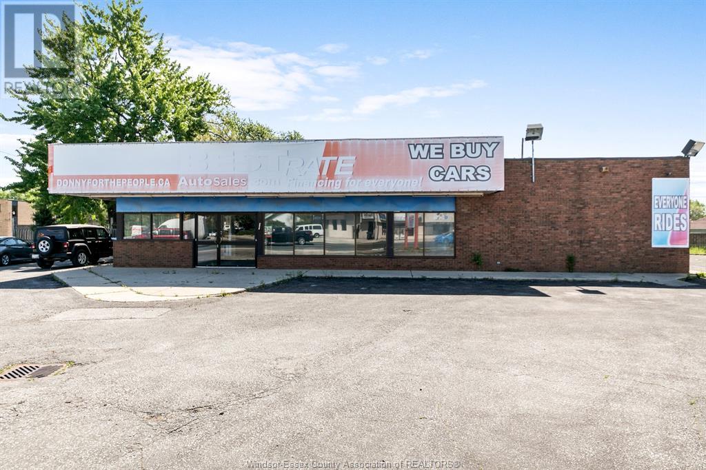 Image nr 2 for listing 1707 TECUMSEH ROAD West, Windsor