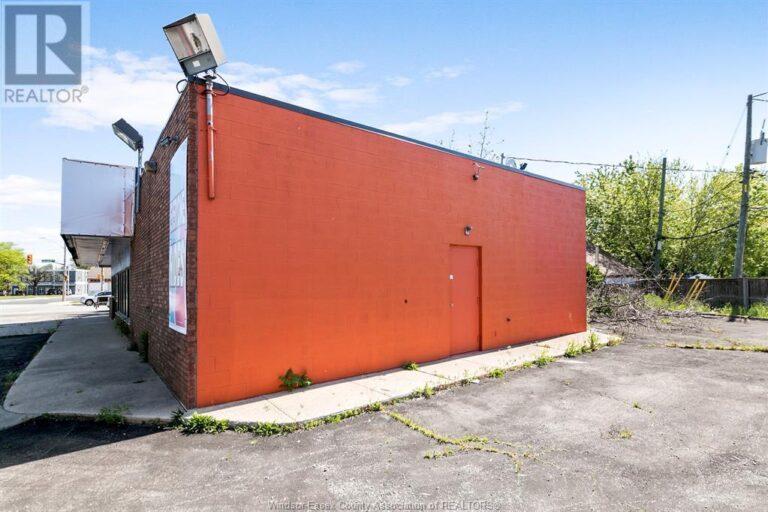 Image nr 4 for listing 1707 TECUMSEH ROAD West, Windsor