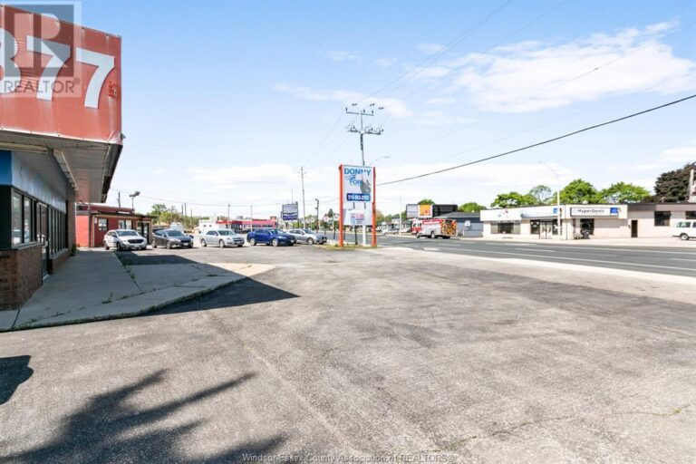 Image nr 7 for listing 1707 TECUMSEH ROAD West, Windsor