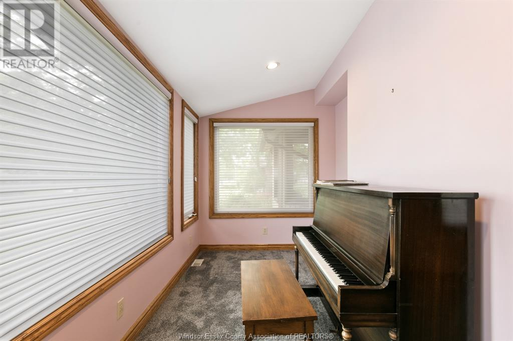 Image nr 13 for listing 2311 UNIVERSITY, Windsor