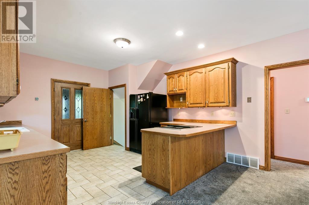 Image nr 15 for listing 2311 UNIVERSITY, Windsor