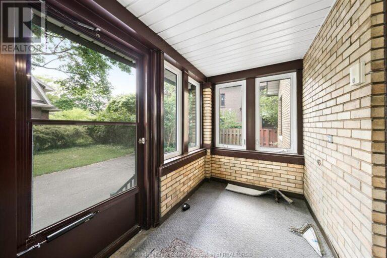 Image nr 9 for listing 2311 UNIVERSITY, Windsor