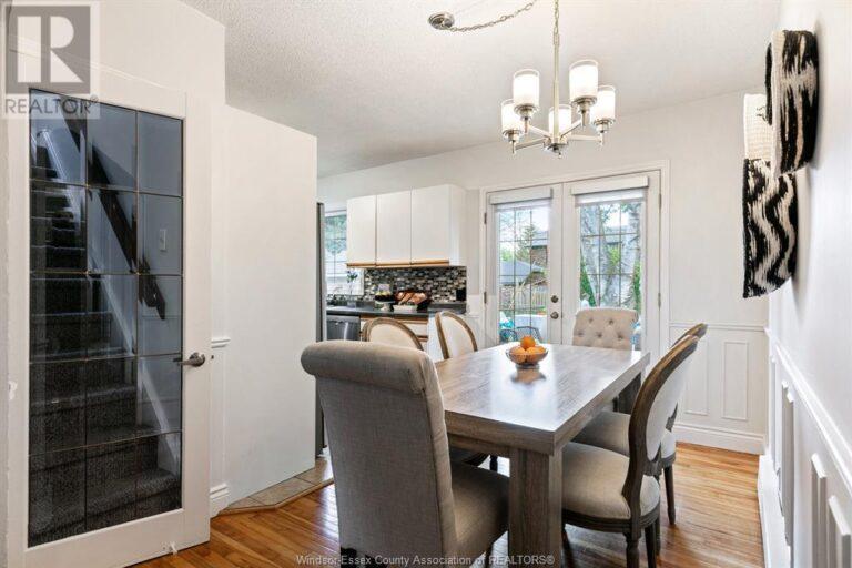 Image nr 19 for listing 2377 HALL, Windsor