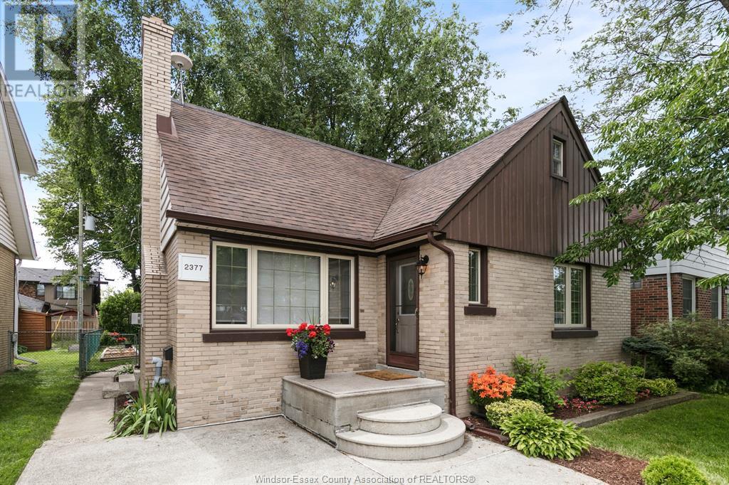 Image nr 2 for listing 2377 HALL, Windsor