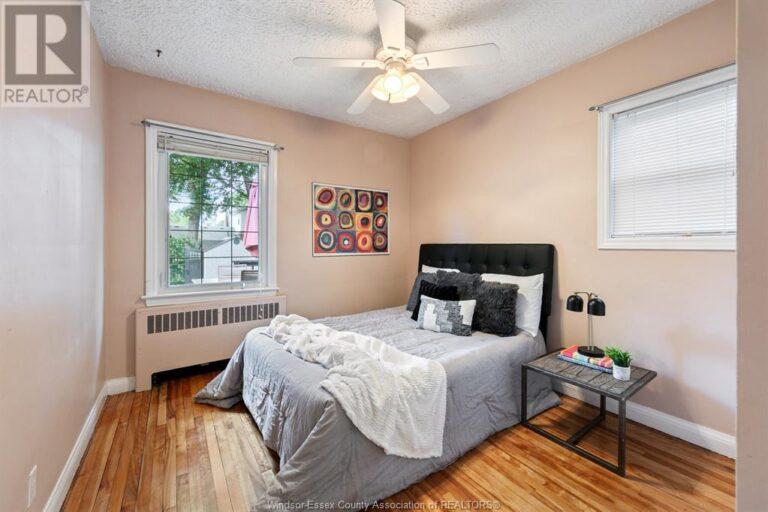 Image nr 23 for listing 2377 HALL, Windsor