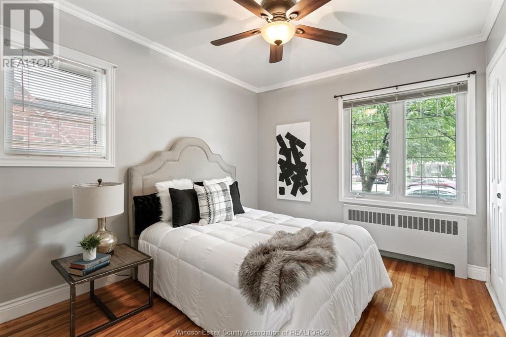 Image nr 25 for listing 2377 HALL, Windsor