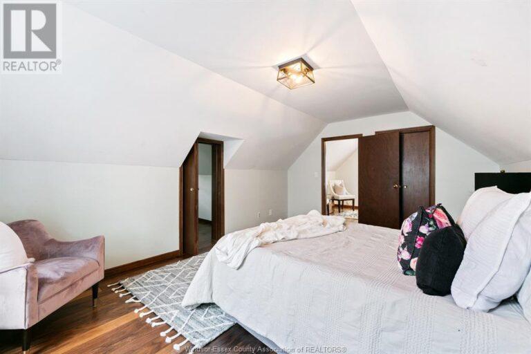 Image nr 28 for listing 2377 HALL, Windsor