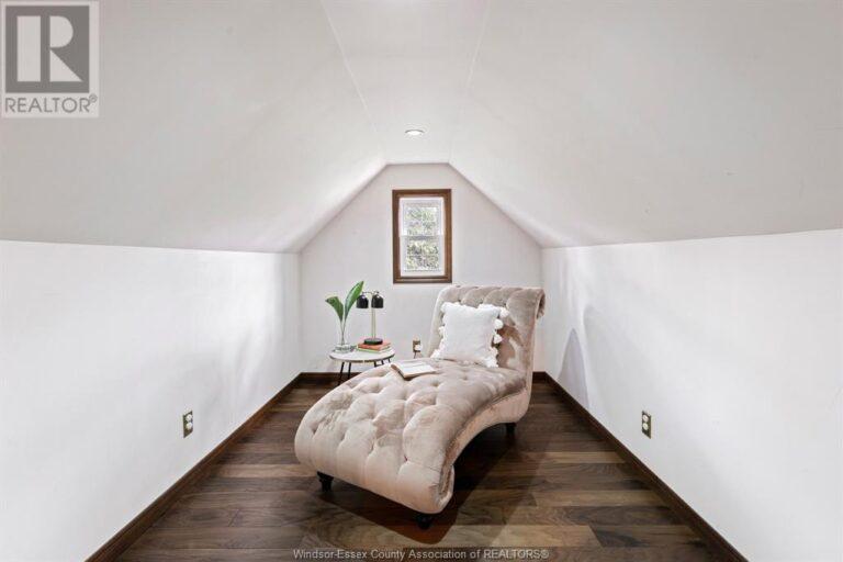 Image nr 30 for listing 2377 HALL, Windsor